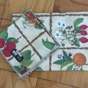 Other - Fabric tablecloth
